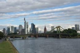 Skyline Frankfurt beim Mainova Frankfurt Marathon 2016