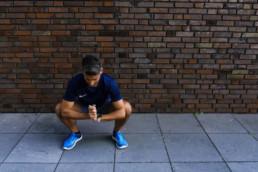 Dehnübung für die Adduktoren | RunnersFinest.de