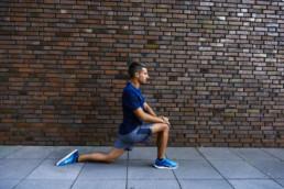 Dehnübung für den Hüftbeuger | RunnersFinest.de