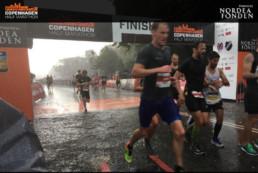 Laufen im Regen beim Halbmarathon in Kopenhagen