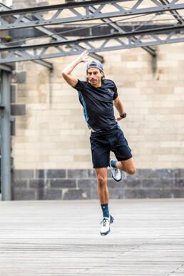 Füße trainieren Läufer Einbeinsprünge