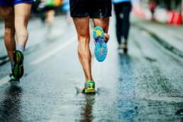 Laufen mit Heuschnupfen bei Regen laufen